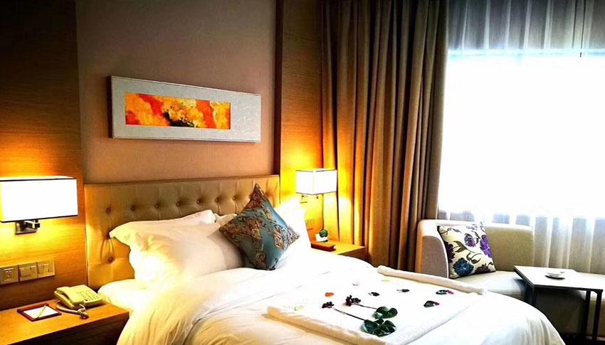 龙海市钻石大酒店选择万博manbetx网页登录